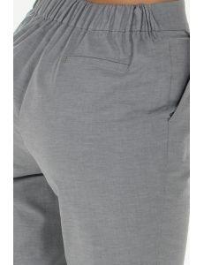 Pantalón gris tobillero