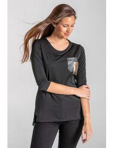 Camiseta negra bolsillo metalizado